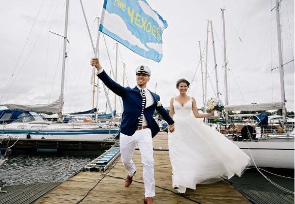 У Мережі з'явилися нові світлини з розкішного весілля зірки кліпу про лабутени