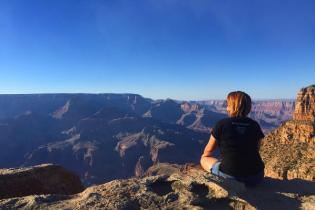 Женщина разбилась о скалы в Гранд-Каньоне из-за фото в Instagram