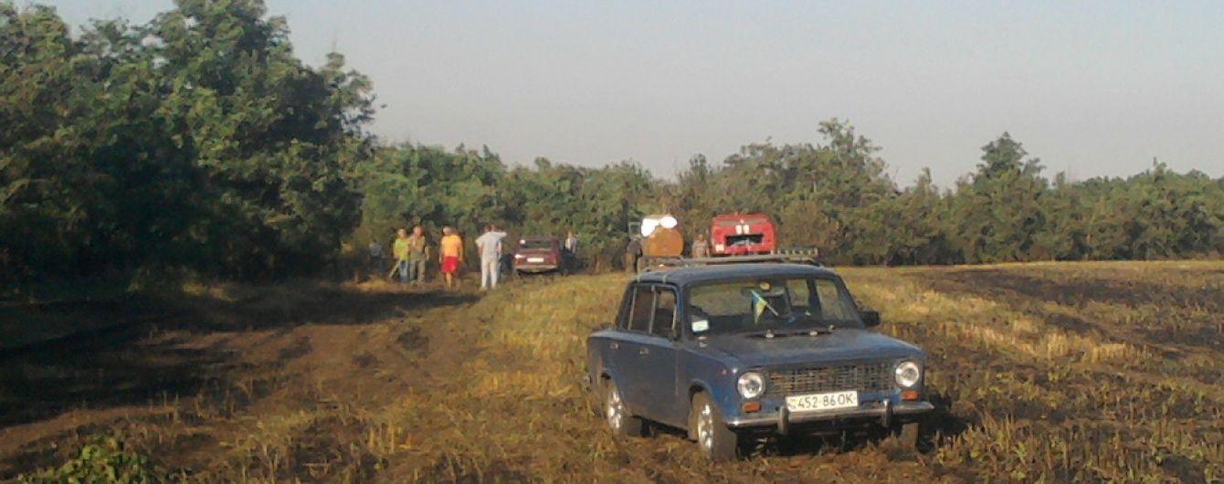 Масштабні пожежі на Одещині: вогонь знищів гектари полів із пшеницею та автомобіль