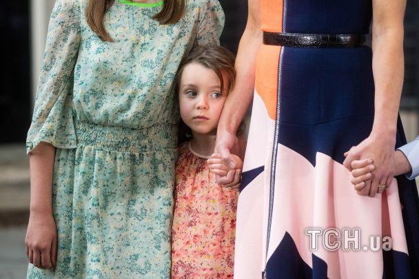 Чарівна донька Кемерона зворушила журналістів під час прощальної промови батька на Даунінг-стріт