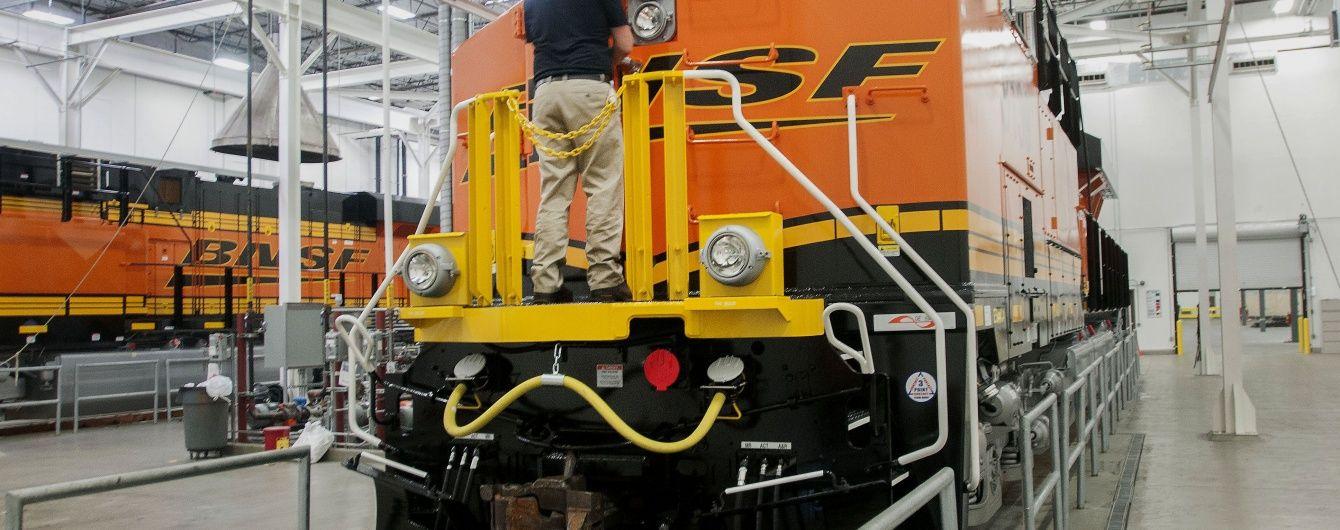 Біля Лос-Анджелеса зіткнулися пасажирський потяг і вантажівка