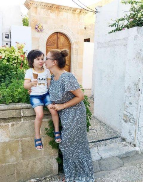 Чехова похизувалася сімейним відпочинком із чоловіком та підрослим сином