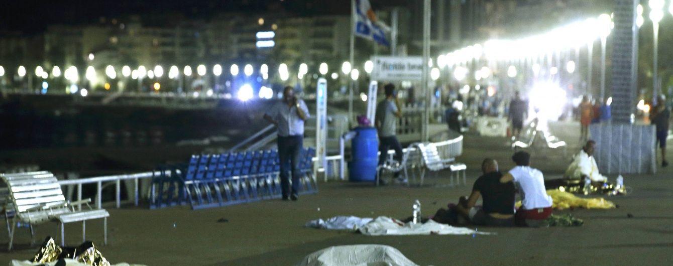 Кількість загиблих у теракті в Ніцці зросла до 60 осіб