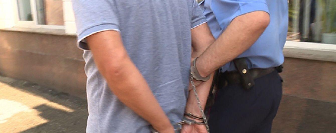 В Одесі клієнт банку затримав озброєного грабіжника