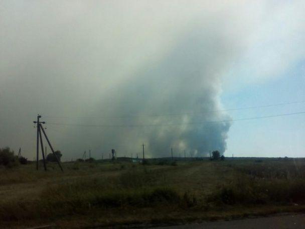 До гасіння пожежі на Гончарівському військовому полігоні залучили авіацію