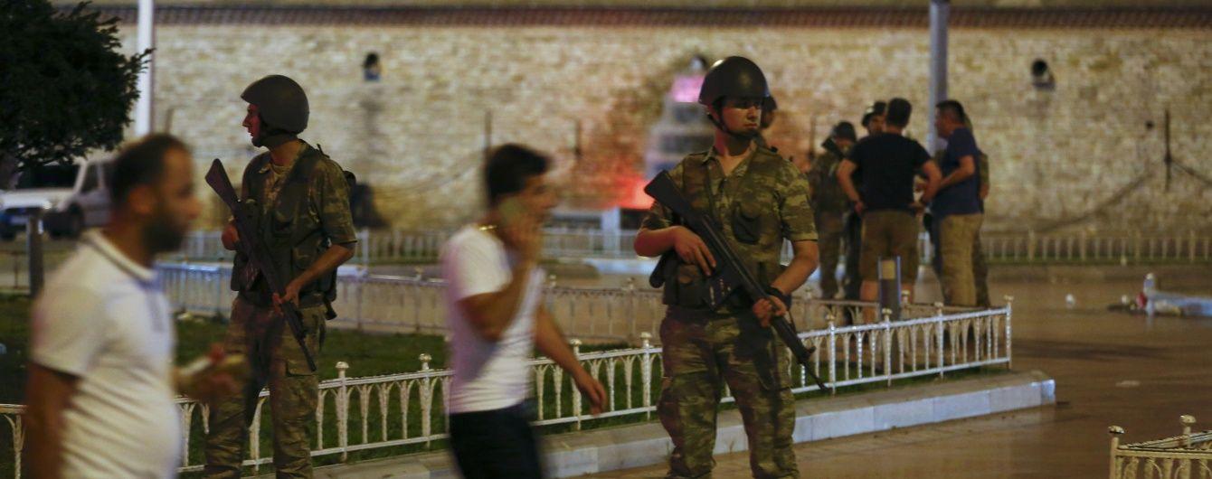 Турецька авіація нанесла удари по штабу поліції в Анкарі