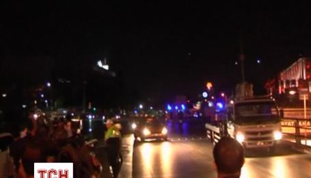Над Анкарой заметили военные самолеты и вертолеты