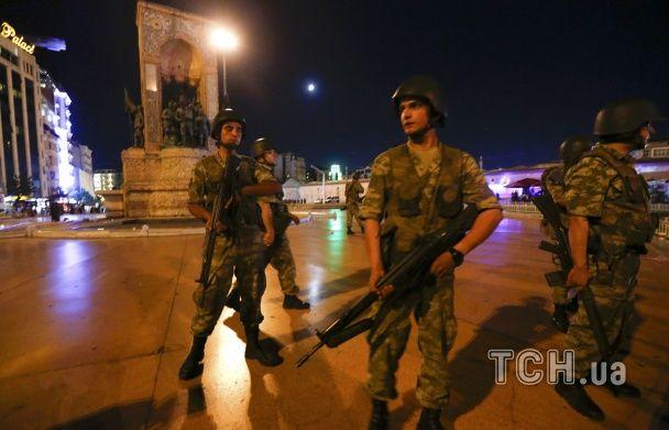 Як прості турки зупинили спробу військового перевороту