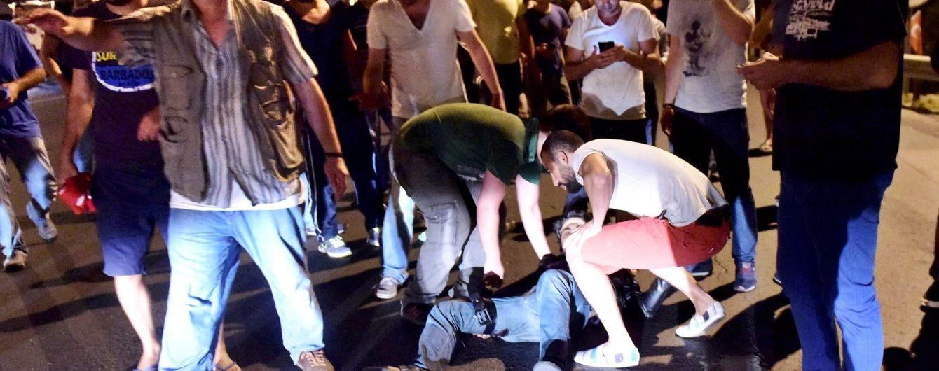 До лікарень Стамбула привезли 150 поранених у зіткненнях