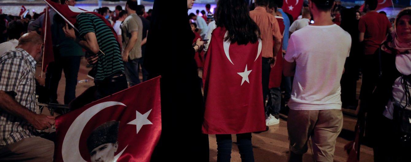 Ситуація в Антальї: відпочивальники не переймаються заколотом у Туреччині