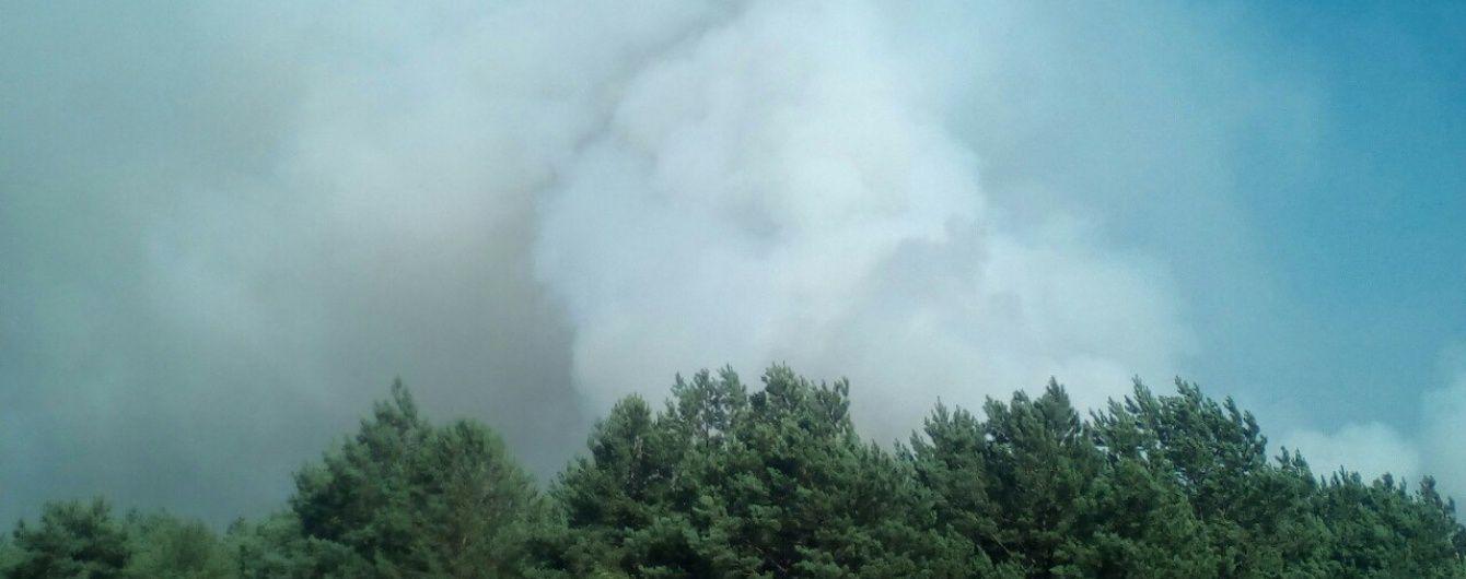 Рятувальники приборкали пожежу на Гончарівському військовому полігоні