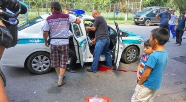 Перестрілка в Алмати: очевидці опублікували фото і відео кривавого нападу