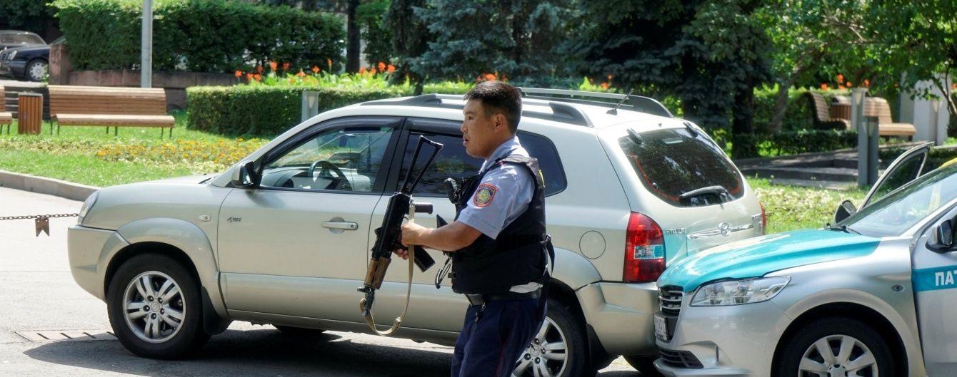 Президент Казахстану назвав стрілянину в Алмати терактом