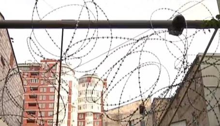 Вибухами та стріляниною вирішується конфлікт за землю біля житлового будинку в Одесі