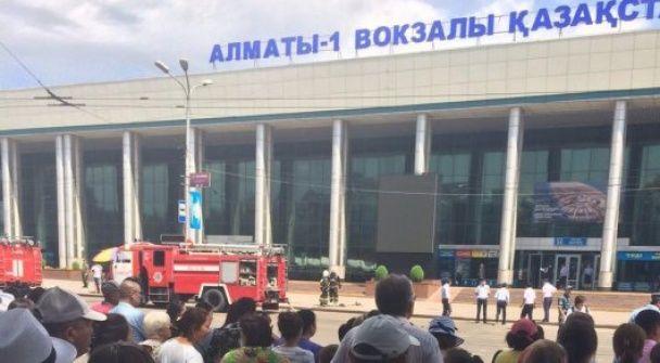 Антитерористична операція в Алмати: силовики оточили вокзал