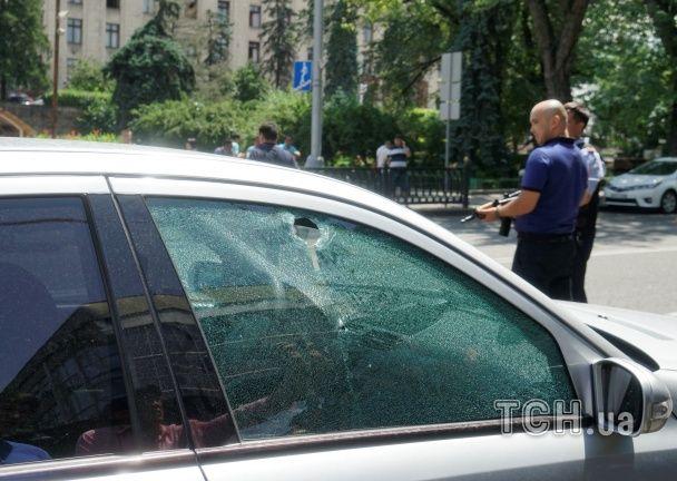 З'явилися фото наслідків жорстокого нападу на відділок поліції в Алмати