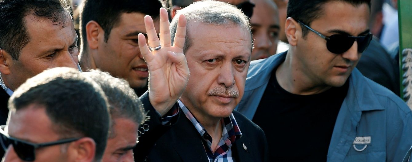 Ердоган не виключає причетність двох пілотів, які збили Су-24, до організації Гюлена