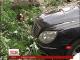 У Києві дерево впало на автомобілі прикордонників та співробітників СБУ