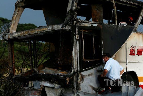 У моторошній ДТП на Тайвані живцем згоріли понад 20 китайських туристів