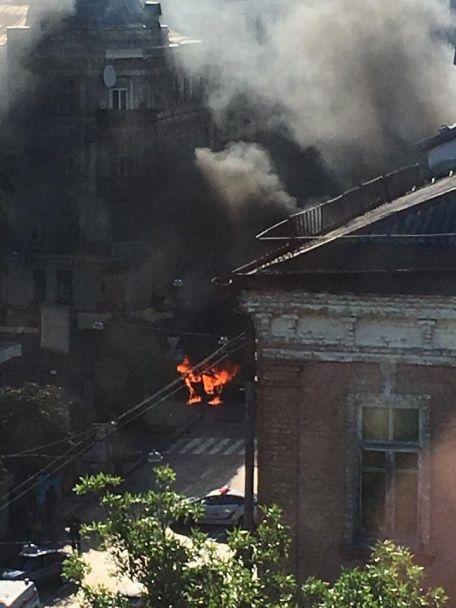 Загибель Павла Шеремета: очевидці вибуху опублікували фото з місця трагедії