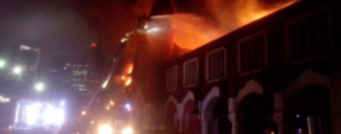 У Москві спалахнула потужна пожежа