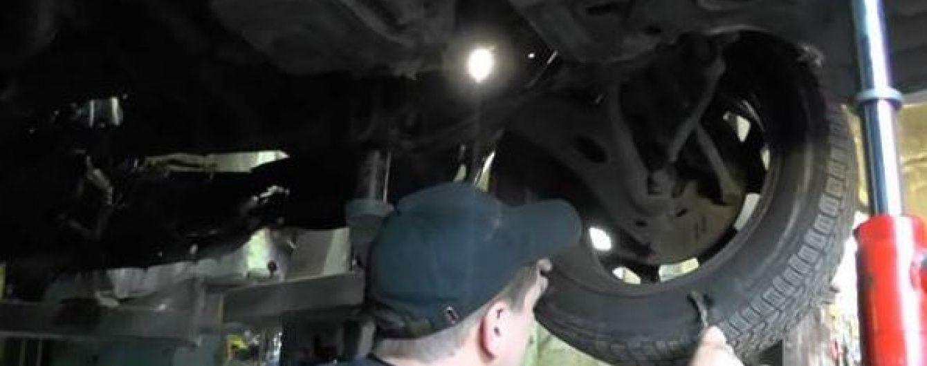 Експерти оглянули машину Шеремета на приватній СТО в гаражі