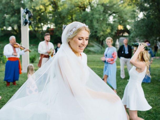 Горбачова і Нікітін показали підрослих доньок на своєму весіллі