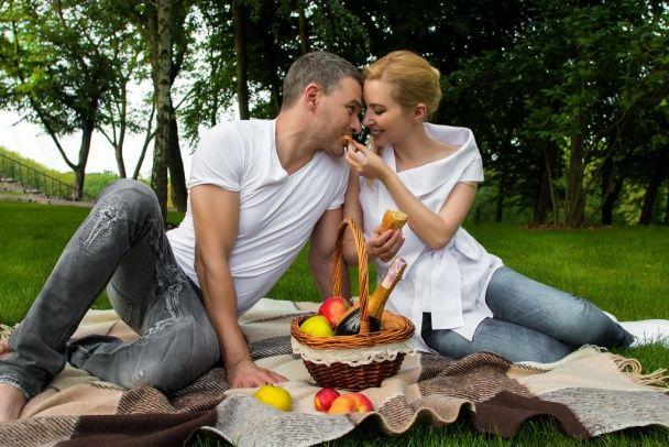 Закохані та романтичні: Матвієнко та Мірзоян продемонстрували почуття у ніжній love-story