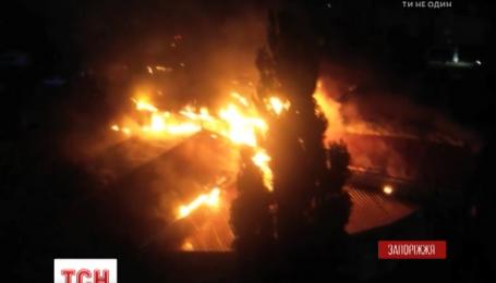 В Бердянске cгорел один из крупнейших рынков города