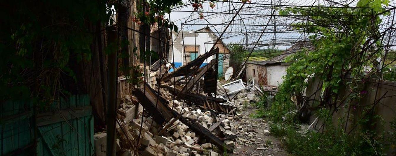 Бойовики посилили обстріли на Донецькому напрямку, а з Росії повалила техніка. Дайджест АТО