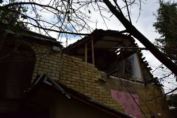 Аброськін показав фото наслідків потужних обстрілів Авдіївки