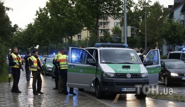 Вертольоти і озброєні силовики: в Мюнхені триває поліцейська спецоперація після стрілянини