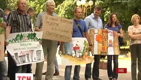 Два митинга: почему мнения жителей Бучи и Ирпеня по обвинениям мэров разделились