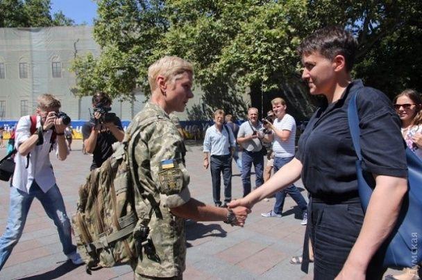 Савченко намагалися закидати яйцями в Одесі