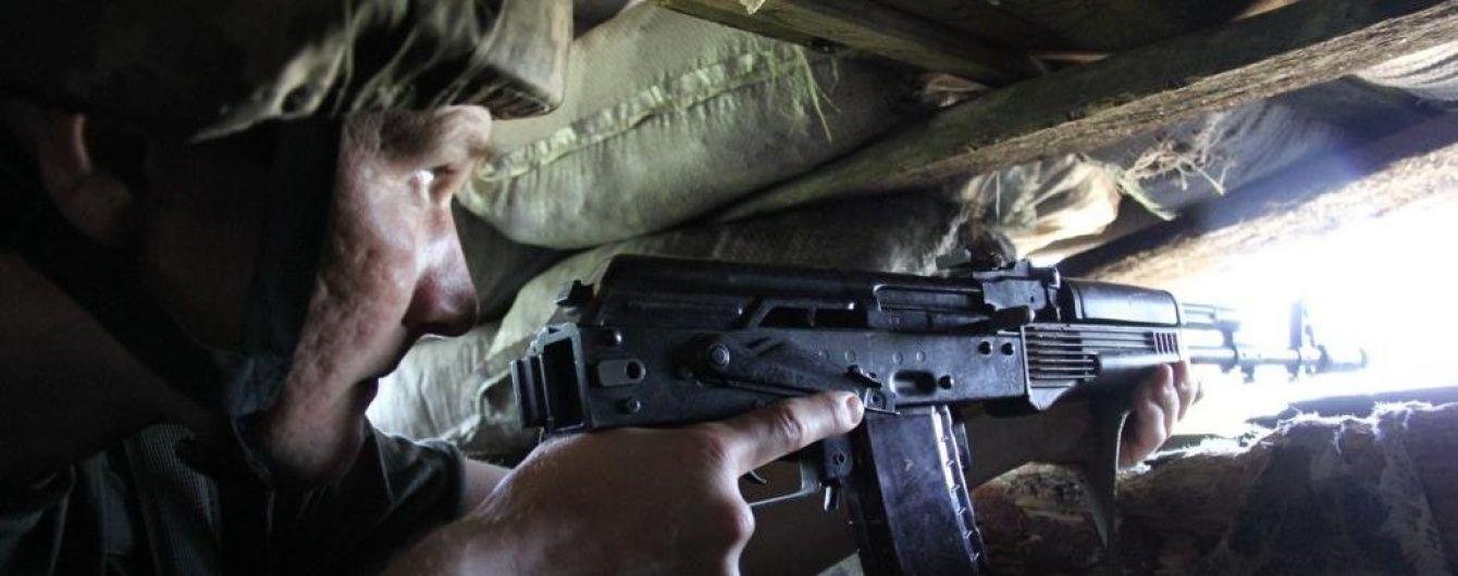 У зоні АТО за добу нарахували майже 60 обстрілів, більше половини з них – біля Маріуполя