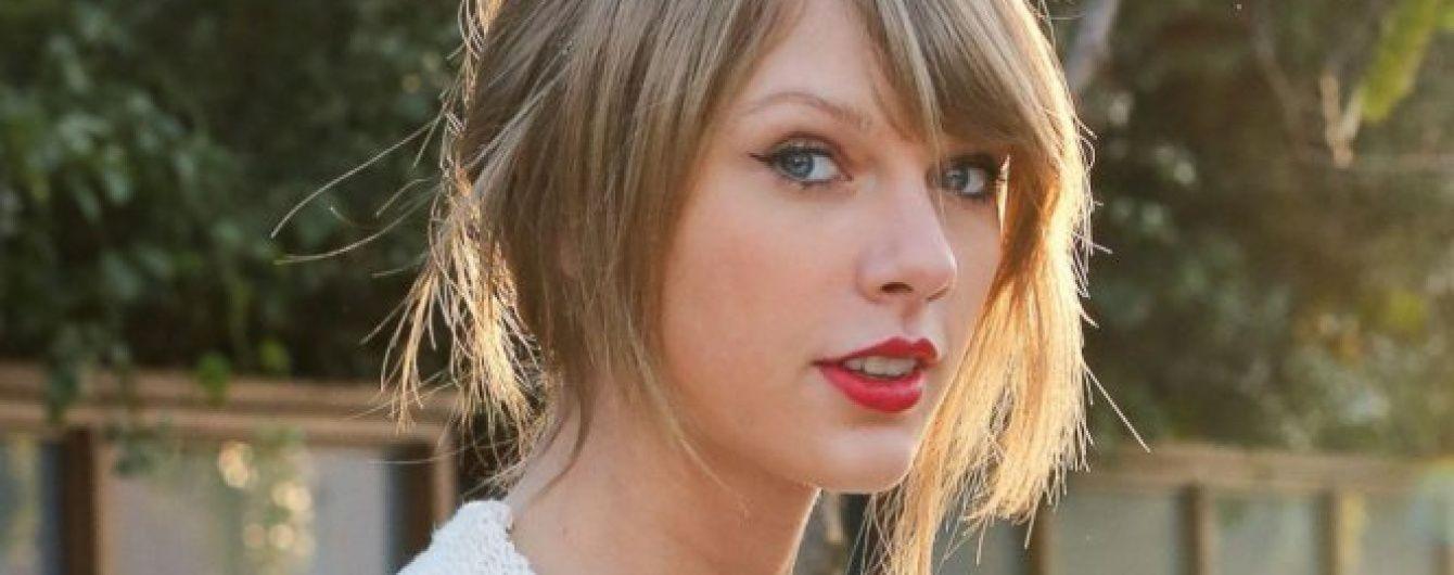 """Бойкот Тейлор Свіфт: у США продають футболки із """"померлою"""" співачкою"""