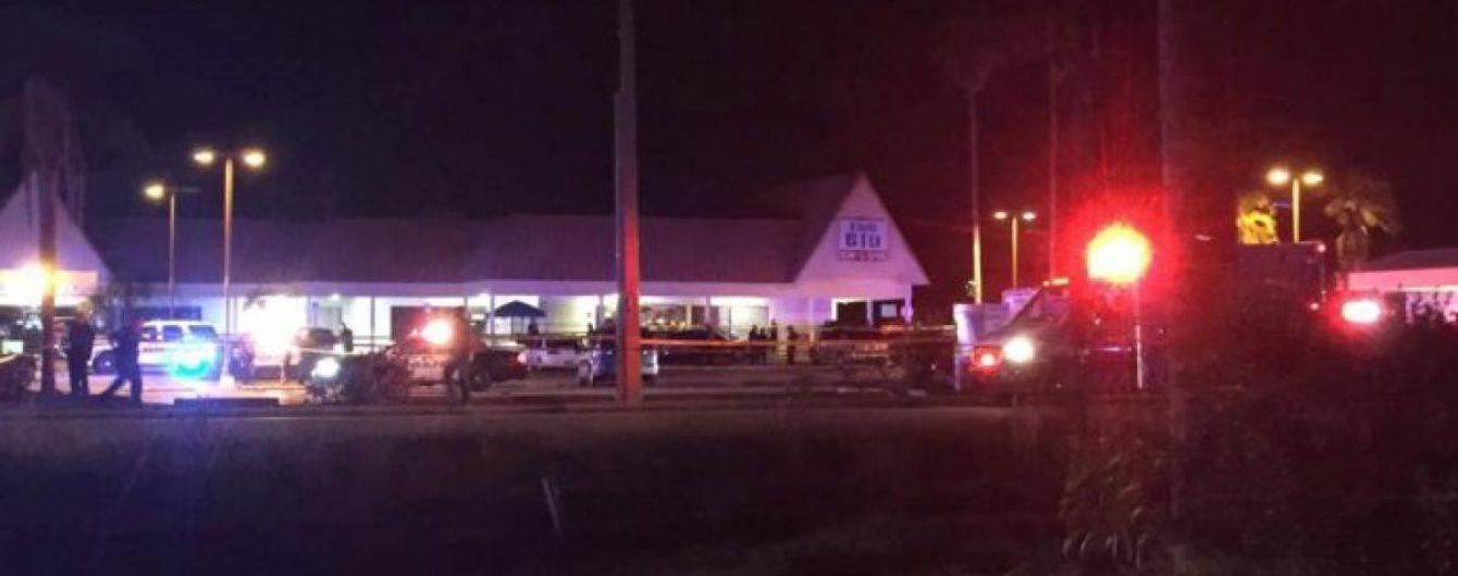 У Флориді поліція затримала підозрюваних у стрілянині в підлітків у нічному клубі