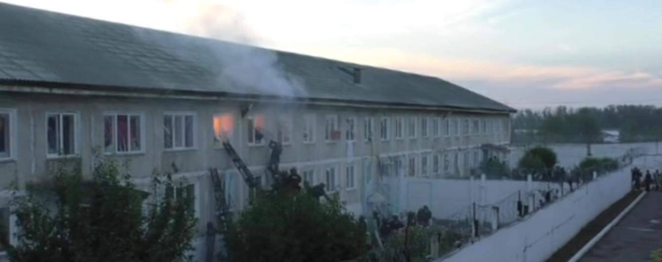 Стрілянина та вибухи. У Мережі з'явилося відео штурму виправної колонії у Хакасії