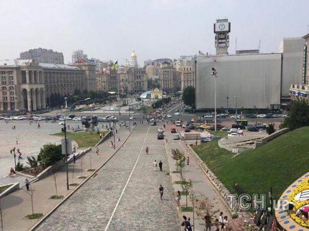 """Вкладники """"Михайлівського"""" вирушили проїжджою частиною до урядового кварталу"""