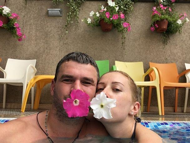 Матвієнко та Мірзоян поділилися романтичними фото з відпустки у Карпатах