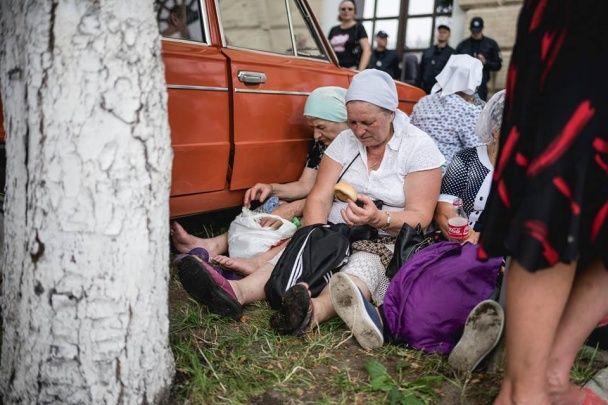 Як пройшов Хресний хід у Києві: металошукачі, перекриті вулиці, тисяч прочан і поліцейських