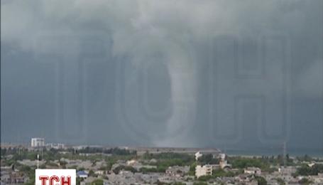 Огромный торнадо впечатлил жителей Китая в провинции Хайнань