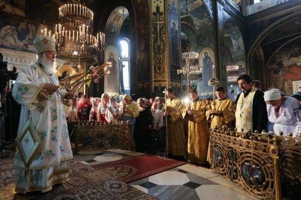 Мирно та без провокацій. Як у Києві пройшов хресний хід УПЦ КП