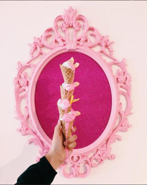Басейн з цукрового конфетті та шоколадний зал: в Нью-Йорку відкрився найсолодший музей морозива