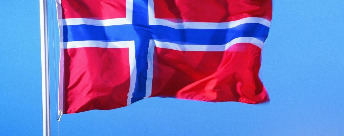 Стіна: Норвегія відгородиться від РФ 200-метровим парканом