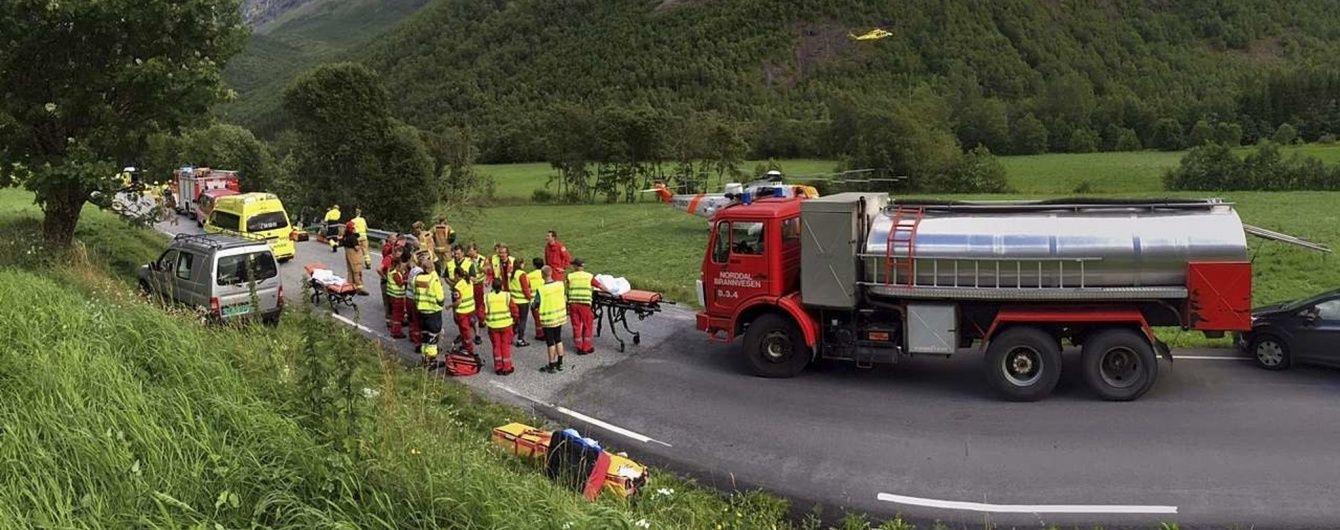 Аварія з українцями в Норвегії сталася через легковик - посол