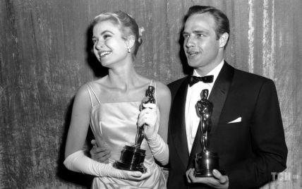 """Одри Хепберн, Грейс Келли и Софи Лорен: самые красивые платья актрис старого Голливуда на """"Оскаре"""""""