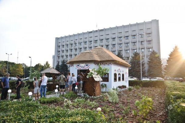 """Український Лас-Вегас. В Одесі відкрили """"Весільну світлицю"""" для експрес-одруження"""