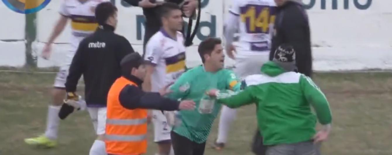 Аргентинські футболісти влаштовували масове побоїще просто на полі