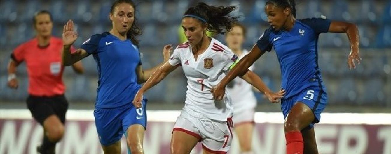 Іспанська футболістка фантастично схибила по порожніх воротах у фіналі Євро-2016